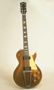Gibson Les Paul Goldtop, Baujahr 1952, dem Jahr in dem die Les Paul in Serie ging. Gegenüber den heutigen Baureihen ist an Unterschieden vor allem das Trapez-Tailpiece zu erwähnen sowie die Singlecoil P-90 Pickups