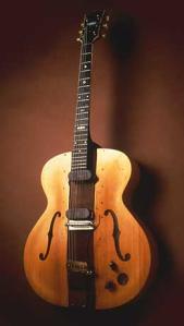 Der Prototyp «The Log» in einer Abbildung des Smithsonian Institute in Washington, wo die Gitarre im «Lemelson Center for the Study of Invention & Innovation» zu sehen ist.