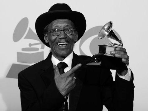 WillieBigEyesSmithFabre Grammy2011SW.jpg