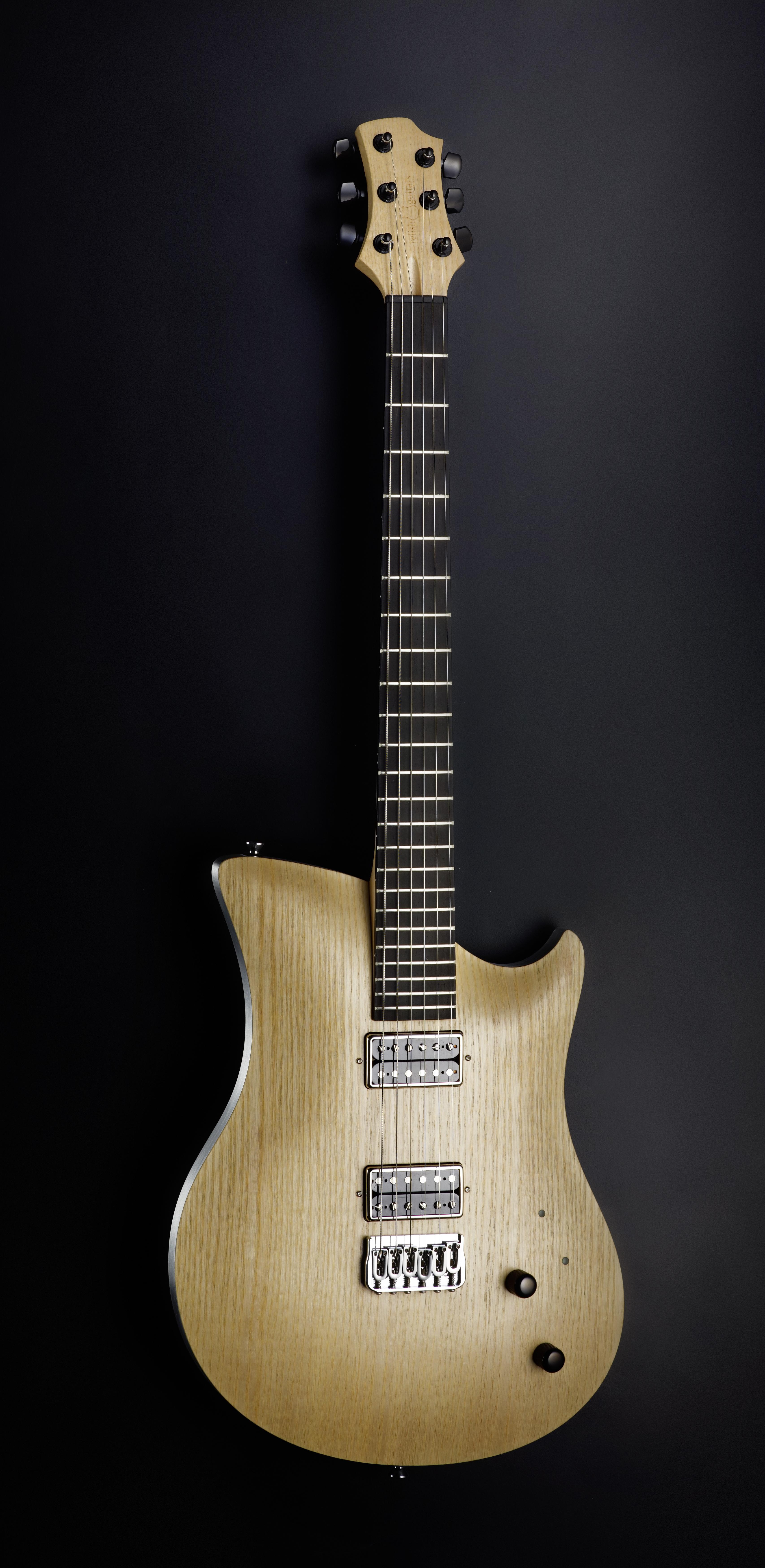 Relish_Guitars_ash_front_dark.jpg